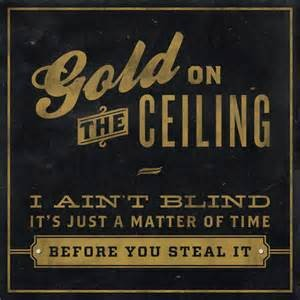 Gold onthe ceiling